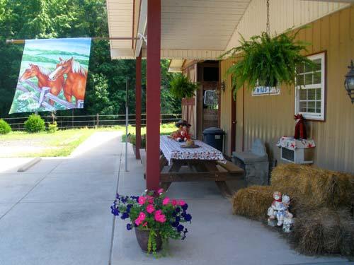 Lynnwood Equestrian Center birthday party area